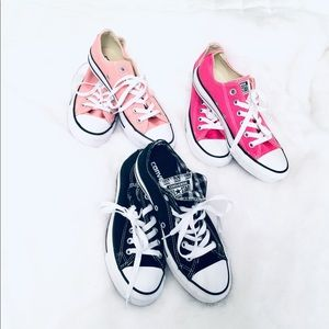 CONVERSE ALL STAR SHOE SET